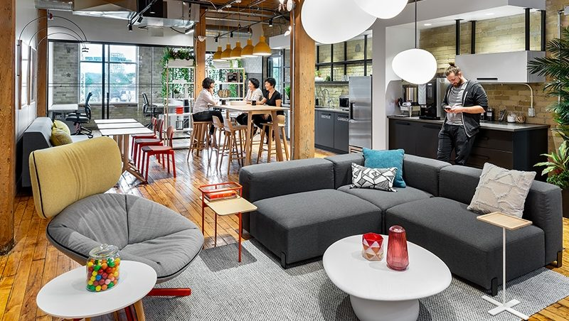 Coworking 2.0: Top 5 Advantages of the New Shared Workspace